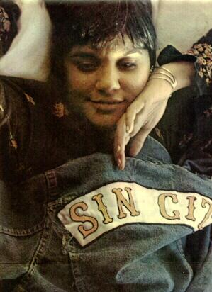click for more Linda Ronstadt!